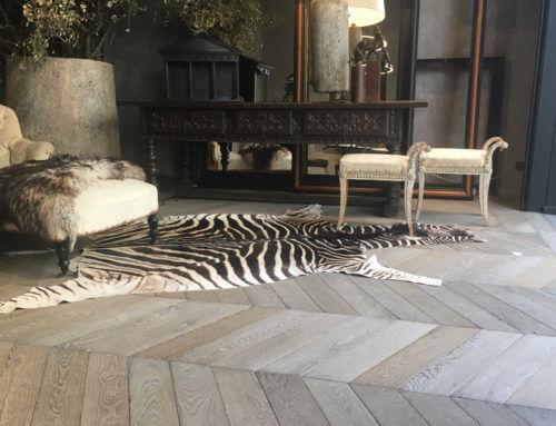 Un suelo de madera clásico para una tienda llena de magia
